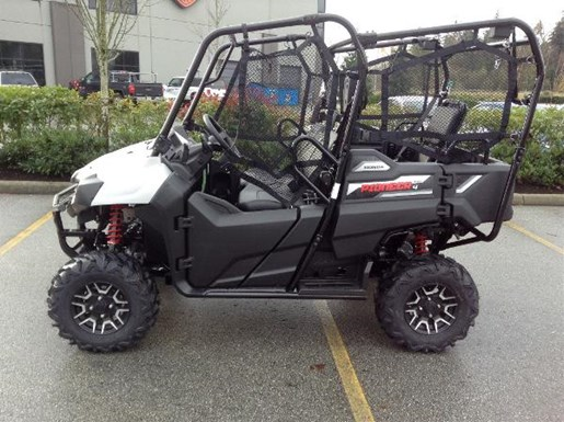 honda pioneer 700 4 deluxe 2017 new atv for sale in langley serving greater vancouver british. Black Bedroom Furniture Sets. Home Design Ideas