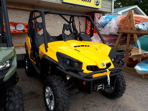 2017 Can-Am Commander XT 800 Photo 1 of 5