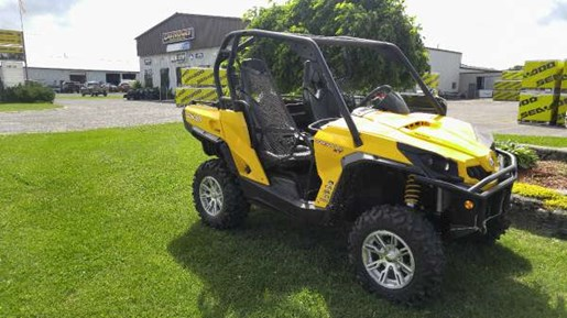 2013 Can-Am Commander XT 1000 Photo 2 of 5