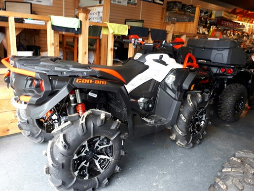 2017 Can-Am Outlander™ X® mr 1000R Photo 4 of 33