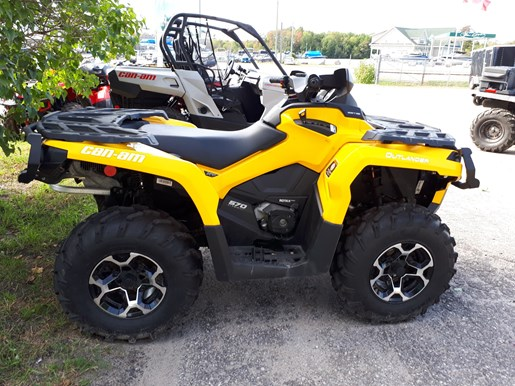 2016 Can-Am Outlander XT™ 570 Photo 3 of 4