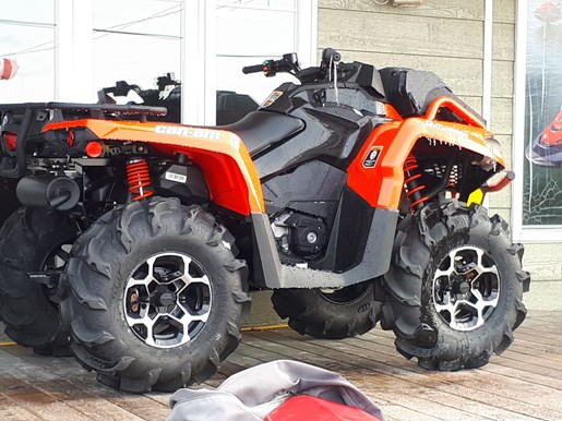2018 Can-Am Outlander™ X® mr 570 Photo 2 of 2