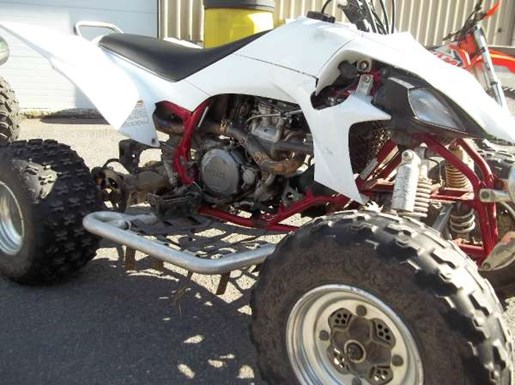 2004 Yamaha YFZ450 Photo 3 of 3
