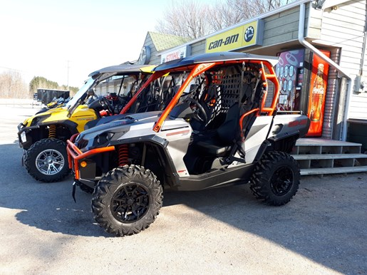 2018 Can-Am Commander™ XT™ 800R Brushed Aluminum & Can-Am Red Photo 1 of 5