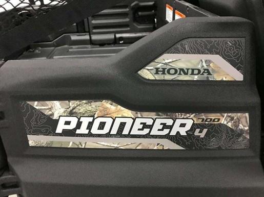 2017 Honda PIONEER 700 4 DELUXE  / 43$/sem Photo 3 of 14