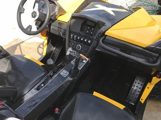 2014 Can-Am MAVERICK MAX X-RS DPS W/ TRACK KIT Photo 8 of 17