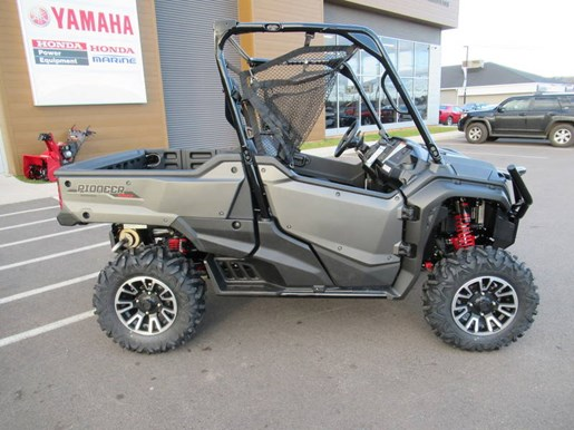 2018 Honda Pioneer 1000 Deluxe LE Photo 2 of 13