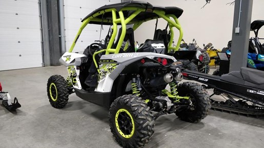 2015 Can-Am Maverick™ X® ds 1000R Turbo White, Light Photo 4 of 9