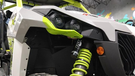 2015 Can-Am Maverick™ X® ds 1000R Turbo White, Light Photo 9 of 9