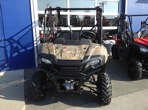 2019 Honda Pioneer 700-4 Deluxe Close Range Camo 2 Photo 2 of 4
