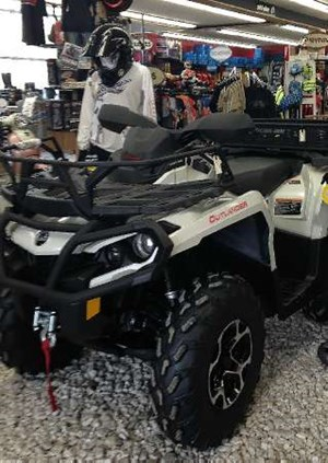 Can-Am Outlander XT 800R 2015