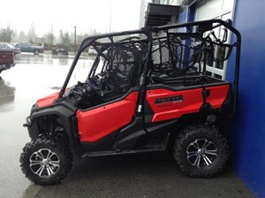 Honda Pioneer 1000-5 EPS Patriot Red 2017