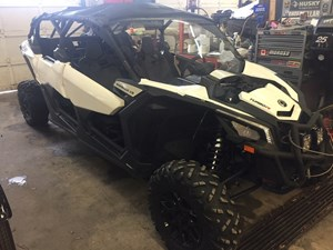 Can-Am Maverick™ X3 MAX TURBO R 2017