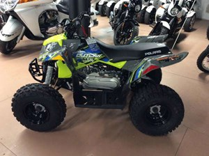 Polaris Outlaw 110 EFI Avalanche Grey / Lime Squeeze 2018