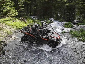Polaris GENERAL 4 1000 EPS BLACK PEARL / 67$/sem 2018