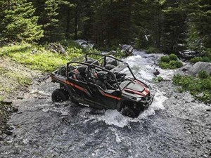 Polaris GENERAL 4 1000 EPS BLACK PEARL / 64$/sem 2018