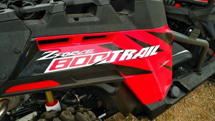 2018 CFMOTO ZFORCE 800 LX [EPS] (RED) Photo 8 of 13