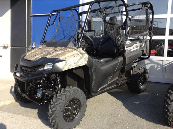 2019 Honda Pioneer 700-4 Deluxe Close Range Camo 2 Photo 1 of 4