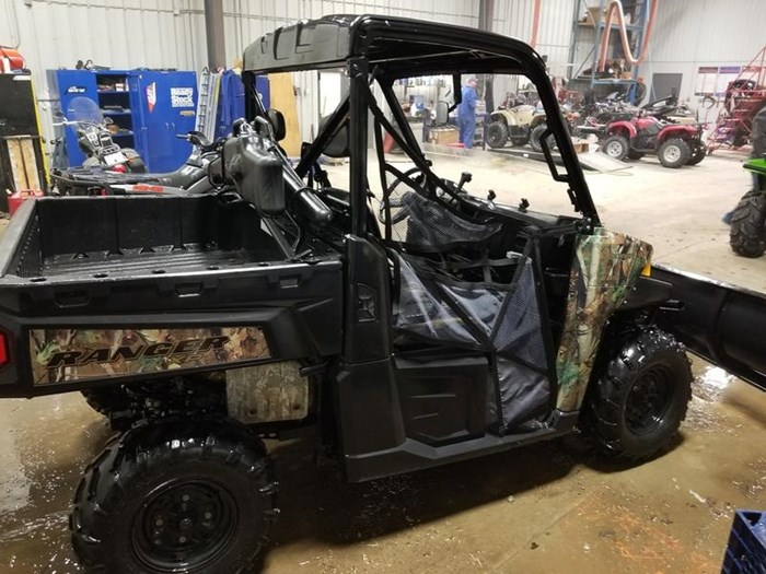 2014 Polaris Ranger XP® 900 EPS Browning® LE Photo 2 of 4