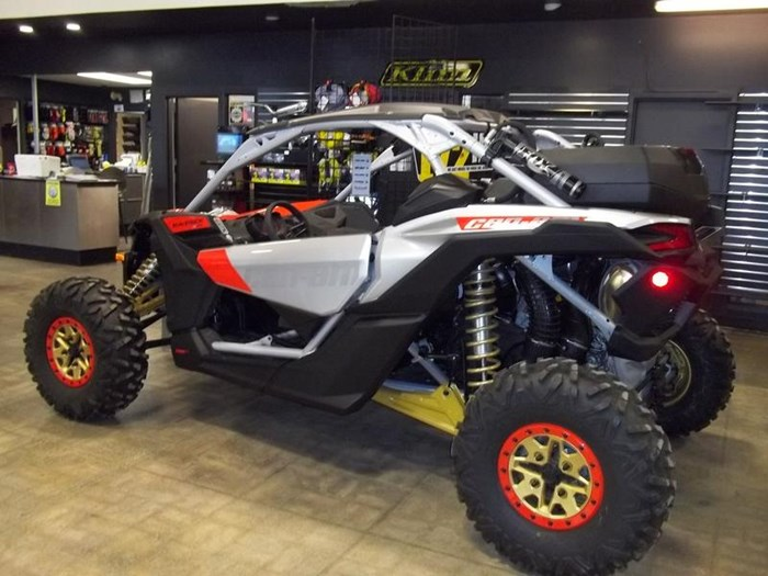 2019 Can-Am Maverick™ X3 X™ RS TURBO R Gold & Can-Am Photo 1 of 3