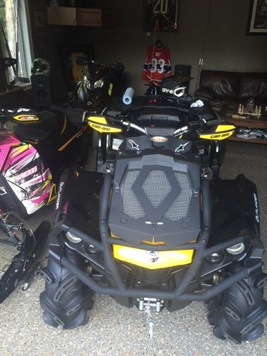 2013 CAN-AM OUTLANDER XMR Photo 14 of 18