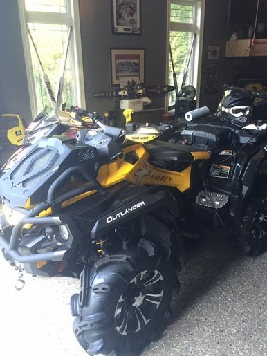 2013 CAN-AM OUTLANDER XMR Photo 15 of 18