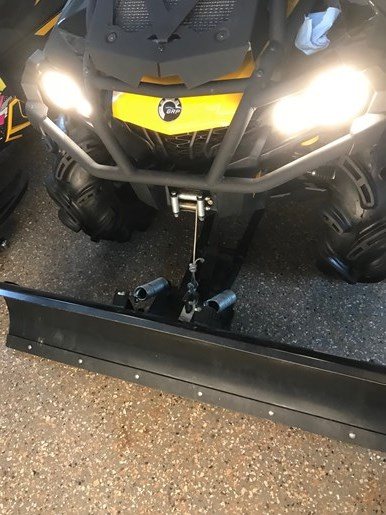2013 CAN-AM OUTLANDER XMR Photo 11 of 13