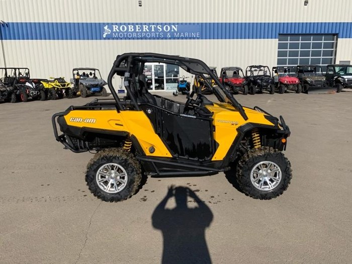 2011 Can-Am Commander™ XT™ 800R Photo 1 of 4