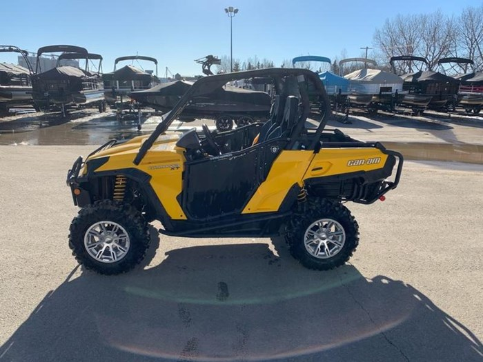 2011 Can-Am Commander™ XT™ 800R Photo 2 of 4