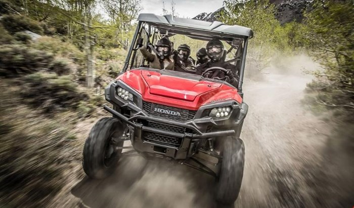 2019 Honda PIONEER 1000 5 EPS DELUXE PATRIOT RED Photo 6 of 15