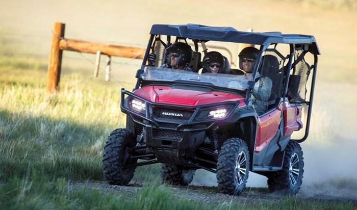 2019 Honda PIONEER 1000 5 EPS DELUXE PATRIOT RED Photo 10 of 15