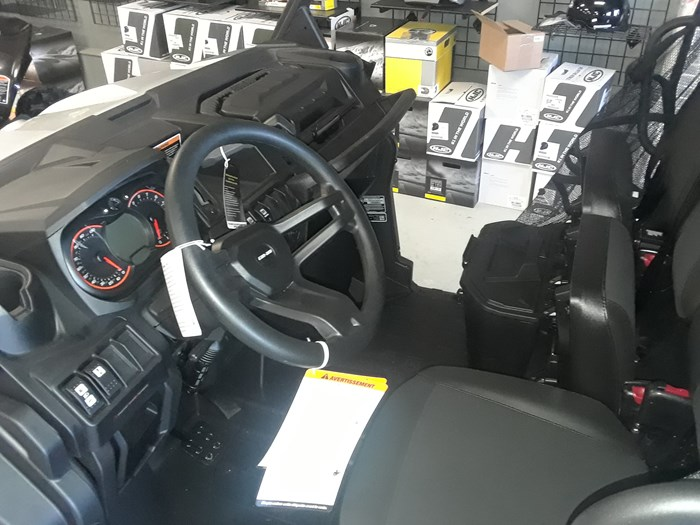 2019 Can-Am DEFENDER XT HD8 Photo 6 of 7