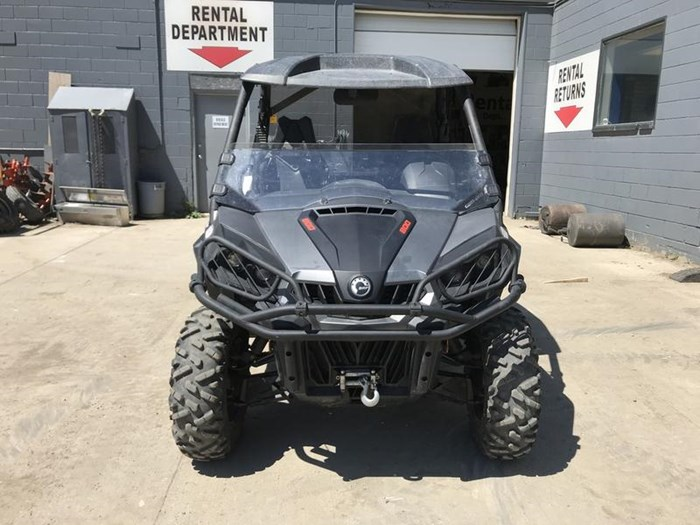 2016 Can-Am Commander™ XT™ 800R Photo 2 of 20