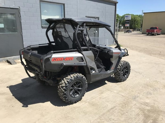2016 Can-Am Commander™ XT™ 800R Photo 6 of 20
