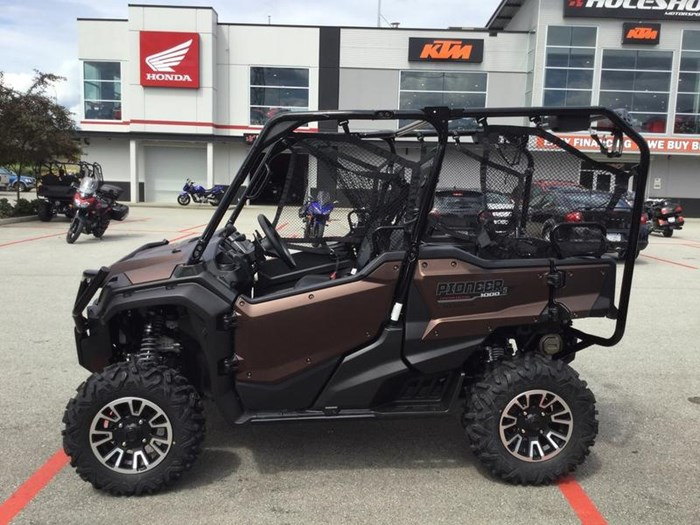 2020 Honda Pioneer 1000-5 EPS LE Photo 2 of 7