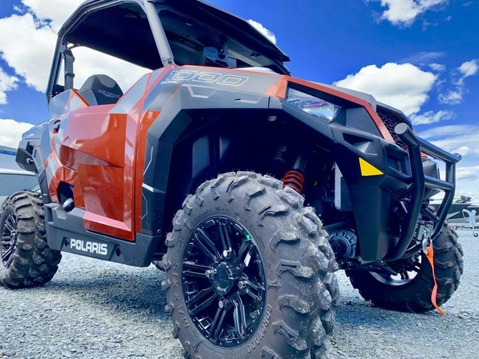 2019 Polaris General® 1000 EPS Deluxe Orange Rust Photo 2 of 15