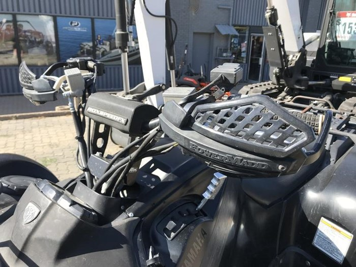 2013 Yamaha Grizzly® 700 FI EPS Photo 11 of 13