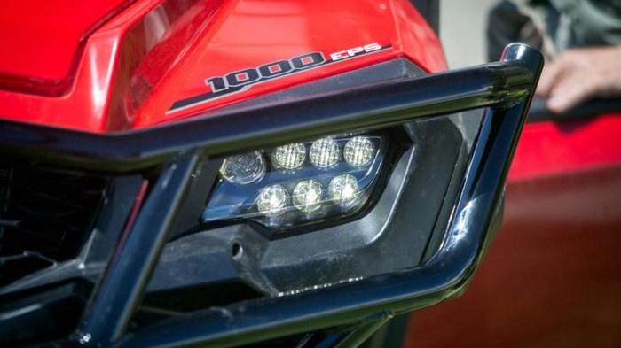 2021 Honda Pioneer 1000-5 EPS Deluxe Rouge patriote Photo 10 of 13