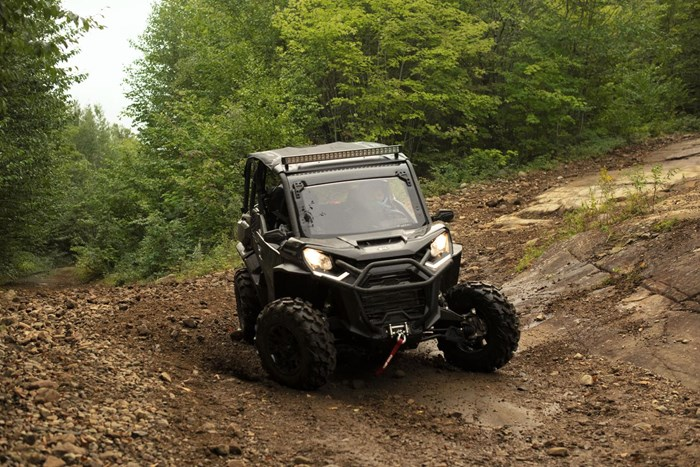 2021 Can-Am COMMANDER XT 1000R Photo 9 of 9
