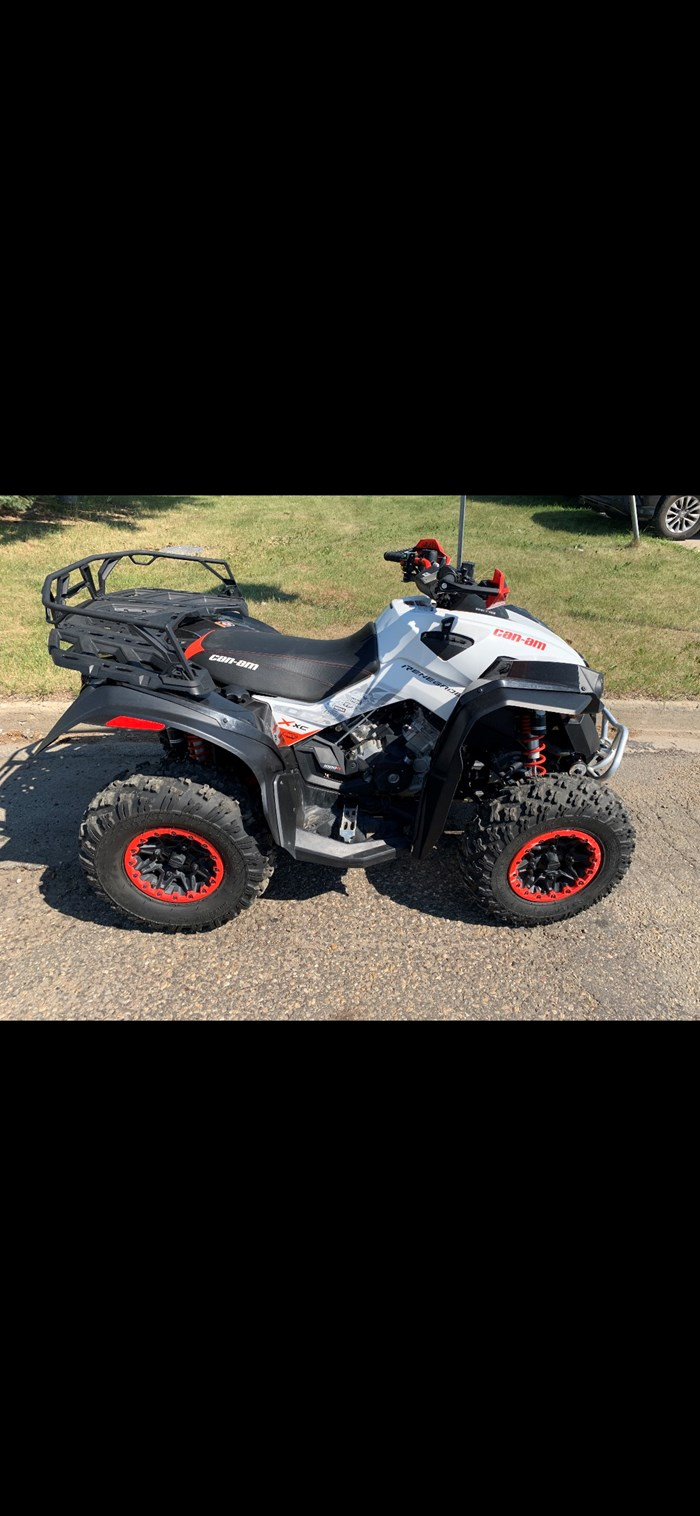 2017 Can-Am Renegade 1000xxc Photo 5 of 6